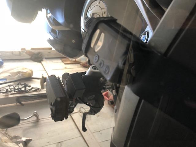 Drilling a hole in my dash?-camera-dash.jpg