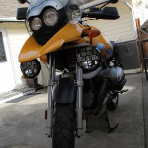 2001 R1150GS Adventure front view